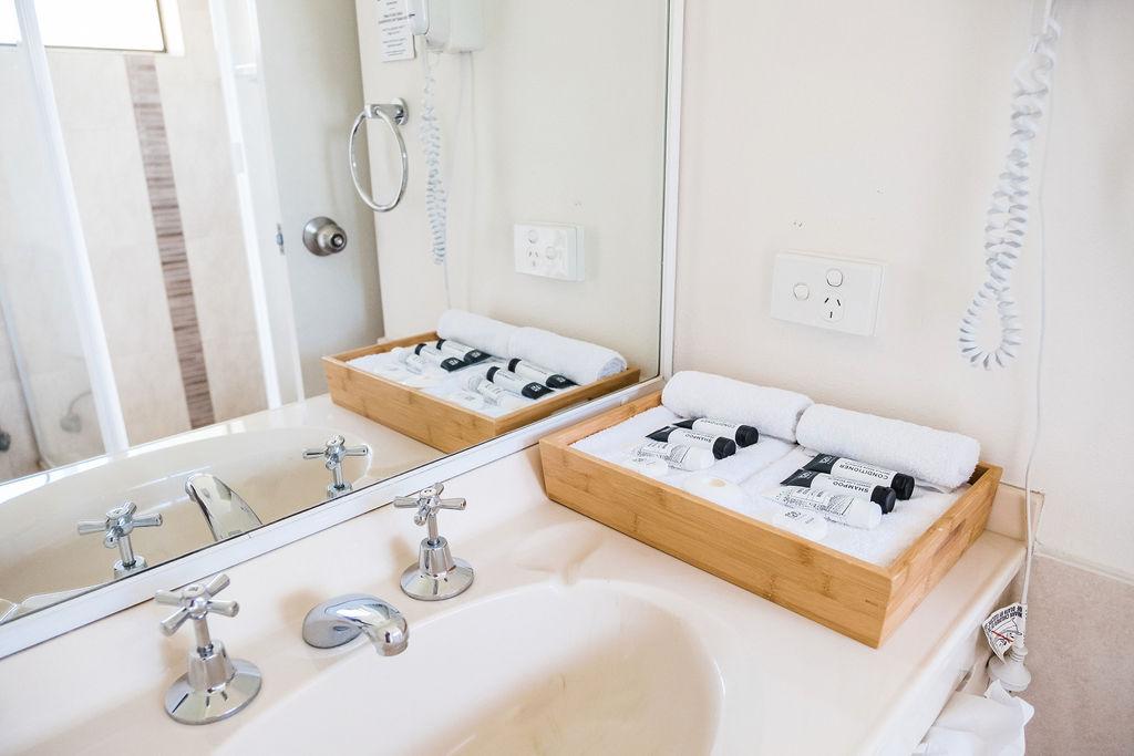 Room 5 Bathroom a .JPG
