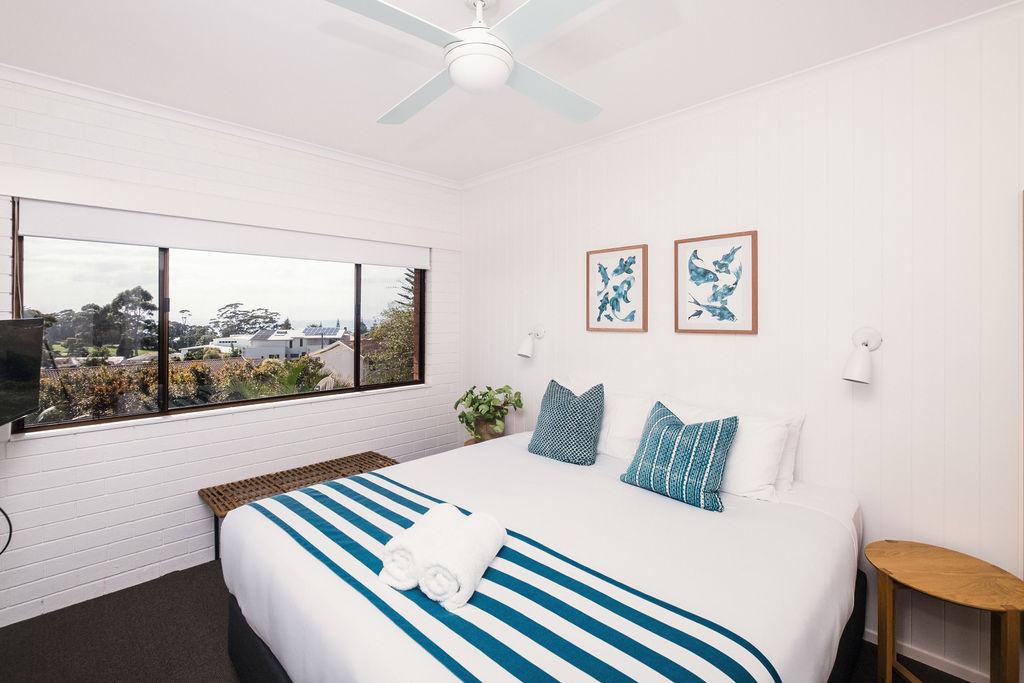 Room 5 King Bedroom .JPG