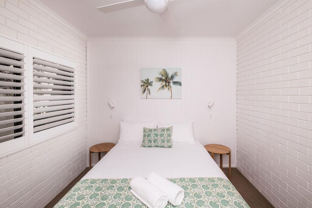 Room 6 Queen room.JPG