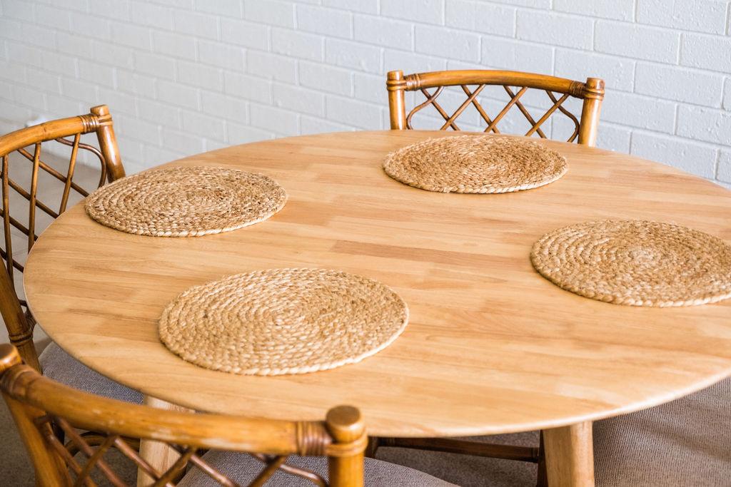 Room 6 dining table.JPG